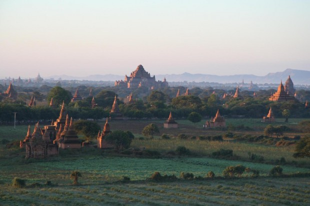 bagan_in_sunrise