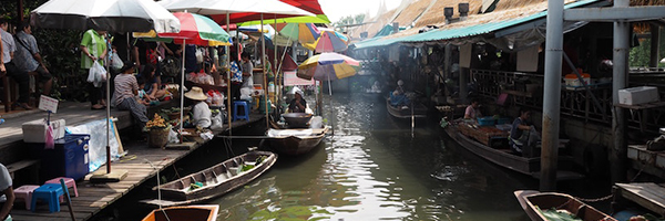 バンコクのローカルバスで50円 タリンチャン水上マーケットへ週末観光はいかが?